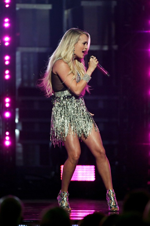 Because Carrie ALSO made sure to flaunt those gorgeous legs of hers, too.