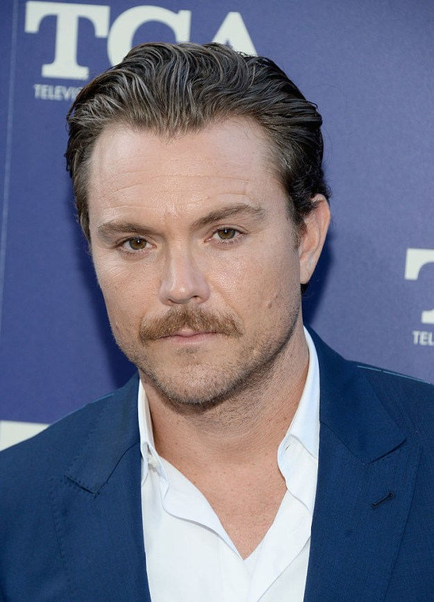 Clayne Crawford, the Detective Riggs to Damon Wayans' Detective Murtaugh on Fox's TV series version of Lethal Weapon, posted a statement on Instagram confirming reports that he was reprimanded for his on-set behavior.