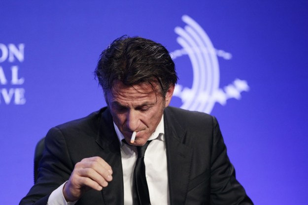 Here's Sean Penn vaping right there on a stage! ON A STAGE!