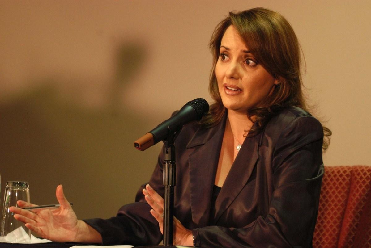 Antes de tener aspiraciones políticas, fue una de las conductoras estelares de los noticieros de TV Azteca.