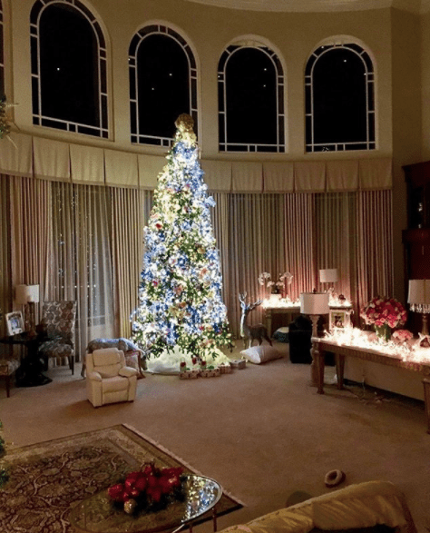 It's Christmas. Britney posted a picture of her giant tree, but a lil' teeny thing caught my eye...