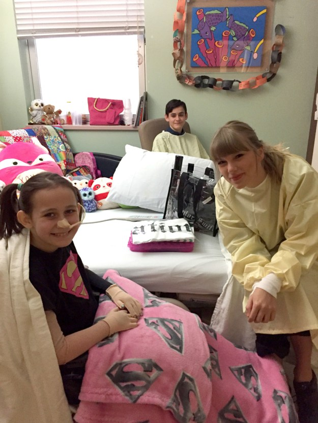 AND, if she wasn't busy enough, Taylor also recently dropped by the hospital to visit a young fan whose burn injuries will prevent her from going to the concert.