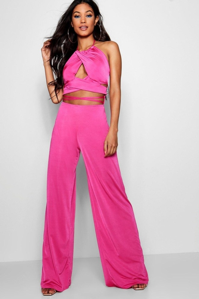 Price: $23 (originally $38; available in sizes 2-10 and in two colors)