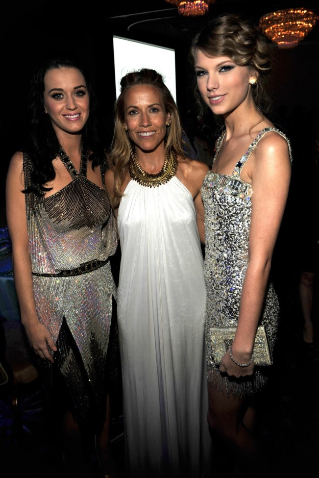They met legend queen of soaking up the sun SHERYL CROW together!!