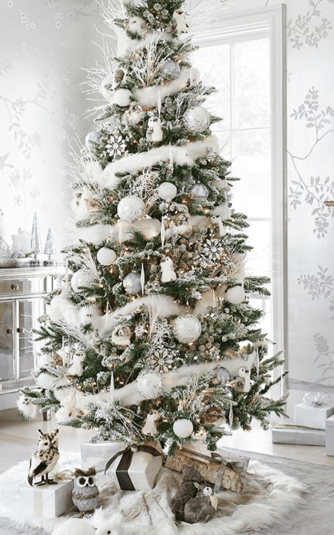"""39 Aesthetically Pleasing Christmas Trees That'll Make You Say """"Goals"""""""