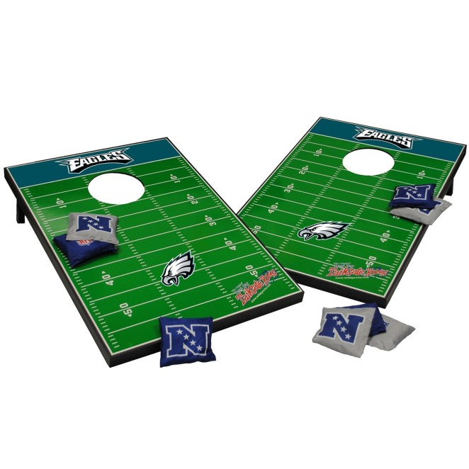 The set includes two sets of four bean bags and two boards. 