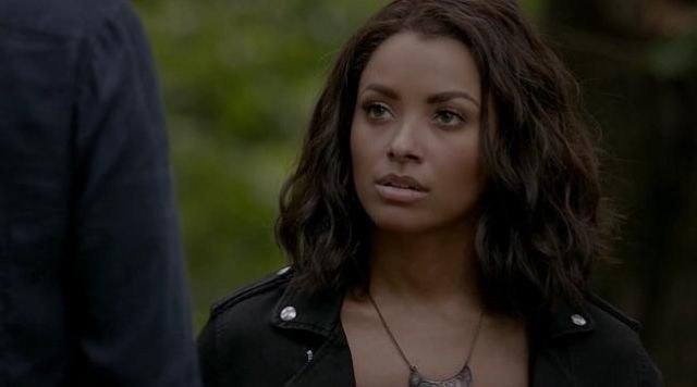 """""""She pushed herself through overusing her magic, lost friends and family, and even died. All for the sake of the world or her friends. I would say she's actually low-key the protagonist of the show for all she's been through!""""—kyronp""""Bonnie constantly made sacrifices for the people she loved. Justice for Bonnie. She's an angel and she deserved so much better.""""—charisb2"""