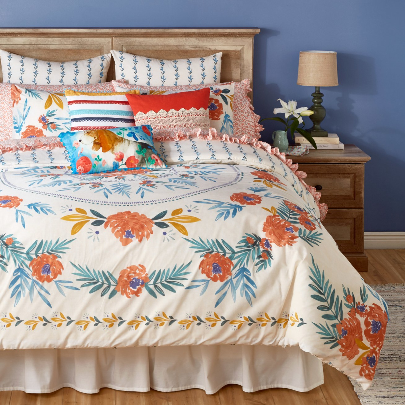 "Promising review: ""This is a lovely and romantic duvet cover that lends a gentle but graphic 'shabby chic' element to the bedroom. The floral medallion in the center is a great design, one not often seen in duvet covers or bedding. I agree with another reviewer in that it could have come from Anthropologie or a similar high-end online vendor. This is a great duvet cover for the money!"" —ParisRoseLadyPrice: .99"
