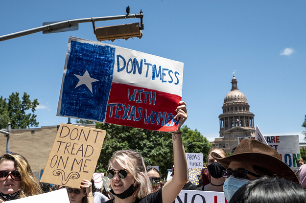 A Texas Healthcare Provider Said They've Resumed Abortions — For Now — After A Judge Blocked The State's Ban