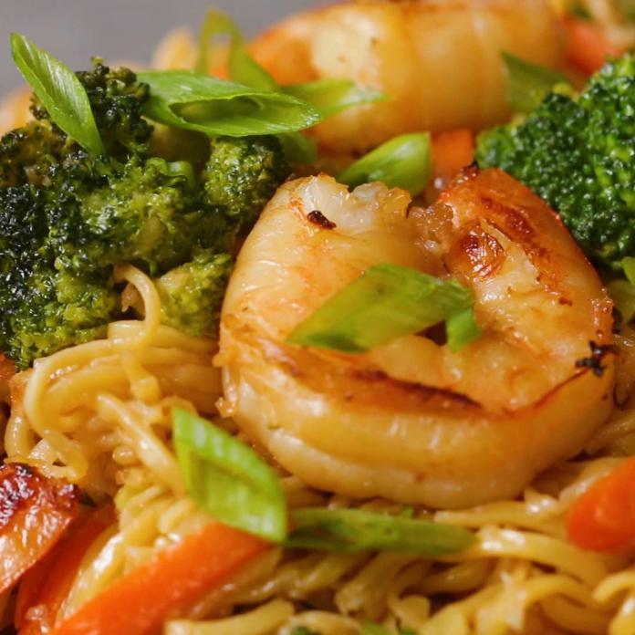 Honey Garlic Shrimp Chow Mein Recipe By Tasty