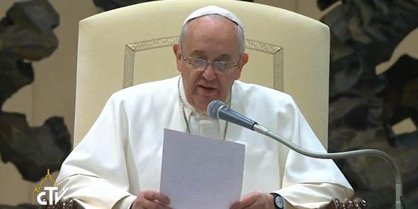 Na catequese de hoje, Francisco fala aos fiéis sobre os pais, com foco na ausência paterna / Foto: Reprodução CTV