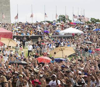"""Multidão de jovens reunidos no evento """"Together 2016"""", em Washington./ Foto: site oficial"""