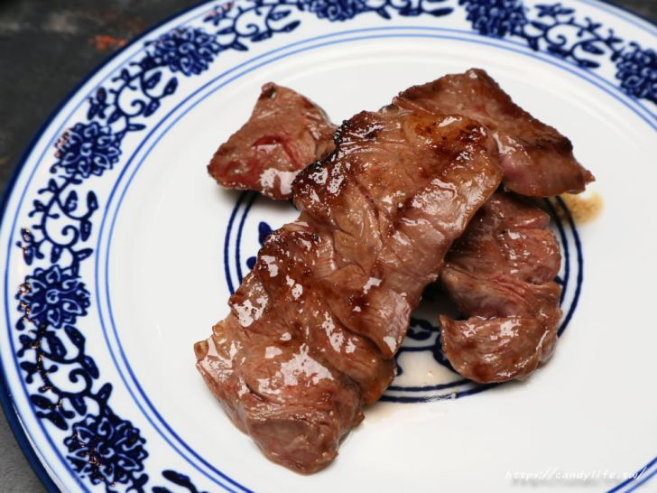 20191105104510 54 - 熱血採訪│墨妃家燒肉 營業至凌晨一點!四人套餐金色龍鳳盤裝超霸氣!吃的到乾式熟成牛排