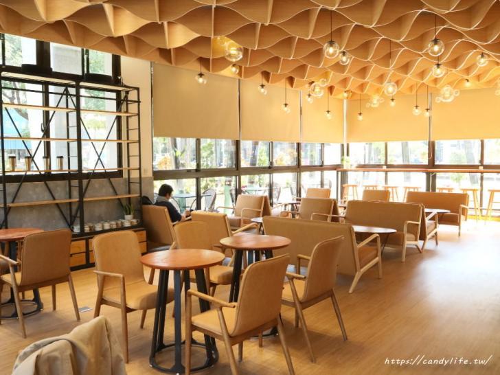 20191225235335 41 - 公益路最新結合麵包店的咖啡館!環境超美就在台中特教學校旁~