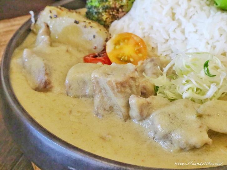 20200217123540 88 - 隱身在住宅區的特色泰式咖哩飯,價格不便宜,小山丘造型超吸睛!