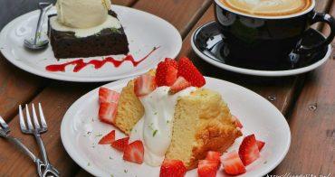 HAUSINC CAFE│台中工業風咖啡,平假日都滿座,提供插座,不限時間,甜點咖啡都不錯,激推戚風蛋糕~