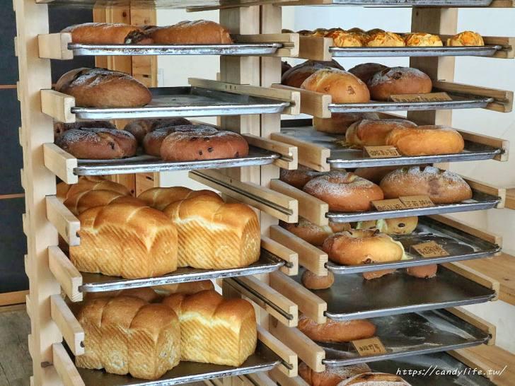 20200304160212 7 - 滿屋子都是龍貓的麵包坊,試吃給的超大方,麵包餡料滿滿,激推脆皮菠蘿,口味超多!
