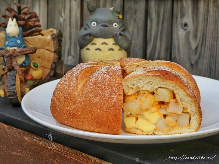 20200304160330 48 - 滿屋子都是龍貓的麵包坊,試吃給的超大方,麵包餡料滿滿,激推脆皮菠蘿,口味超多!