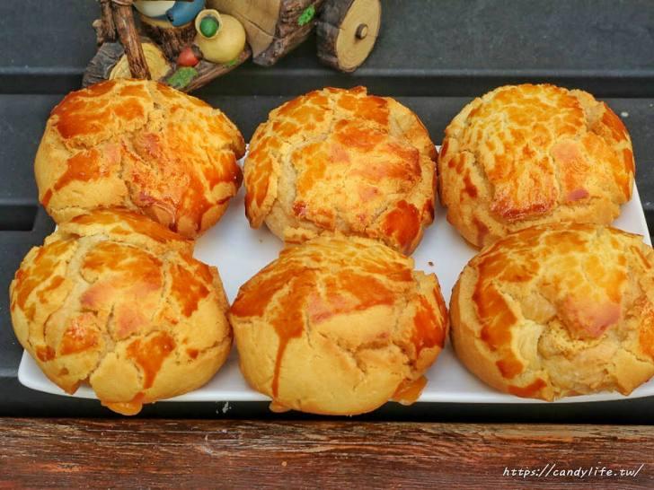 20200304160446 58 - 滿屋子都是龍貓的麵包坊,試吃給的超大方,麵包餡料滿滿,激推脆皮菠蘿,口味超多!
