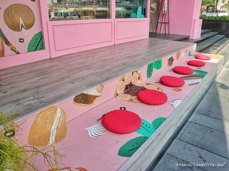 20200427133626 19 - 熱血採訪│薔薇派母親節蛋糕一次綜合五種口味,預購超多好康,還有買一送一就是狂!