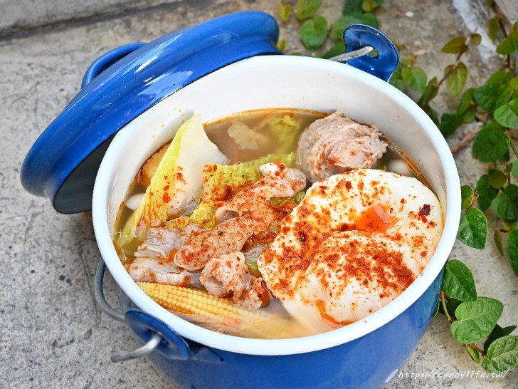 20200630102239 44 - 可愛專屬湯鍋,想吃什麼自己夾,還有超可愛的琺瑯鍋牆~