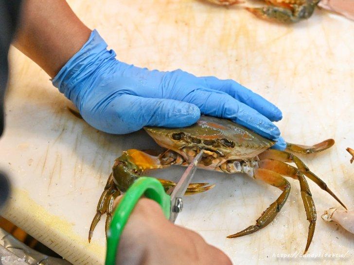 20210109123253 97 - 熱血採訪│想到海鮮就來阿布潘,從活體海鮮、壽司生魚片到熟食烤物應有盡有,人潮爆多快來搶鮮搶便宜