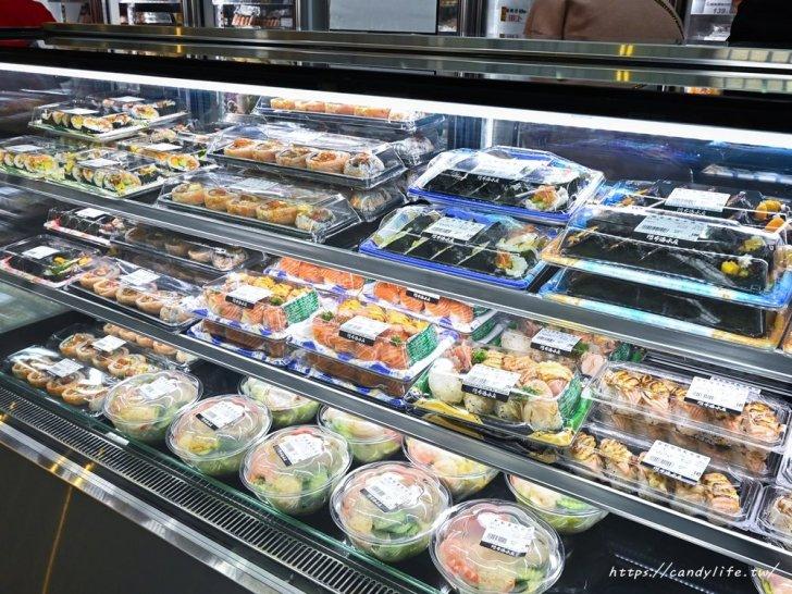 20210129135049 80 - 熱血採訪│想到海鮮就來阿布潘,從活體海鮮、壽司生魚片到熟食烤物應有盡有,人潮爆多快來搶鮮搶便宜