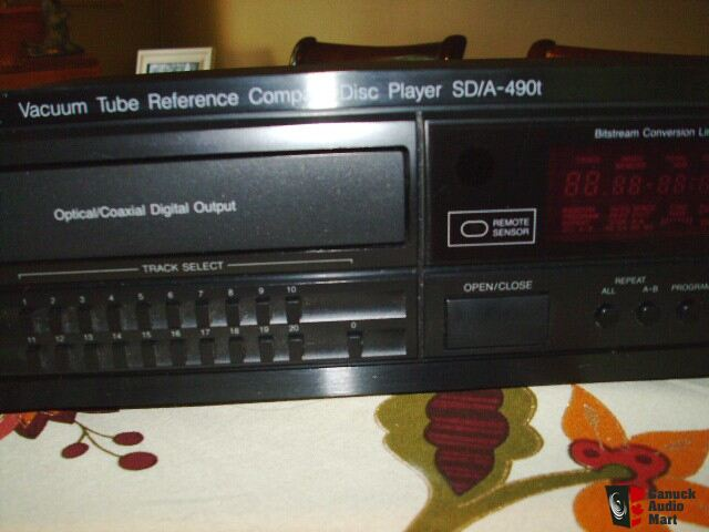 CARVER SDA 490T TUBE OUTPUT REFERENCE CD PLAYER Photo