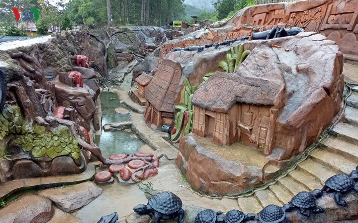 Clay tunnel – Da Lat's model village, travel news, Vietnam guide, Vietnam airlines, Vietnam tour, tour Vietnam, Hanoi, ho chi minh city, Saigon, travelling to Vietnam, Vietnam travelling, Vietnam travel, vn news