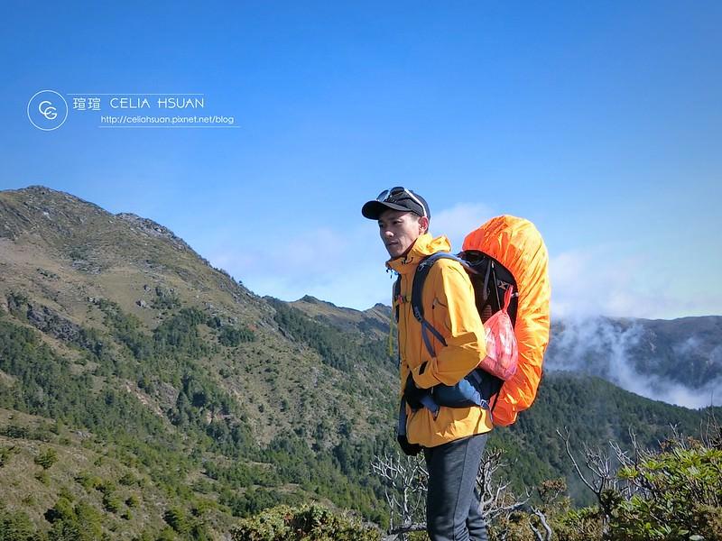 【登山實用穿搭】登山外套怎麼選 國家地理三合一機能登山外套 好穿好用好看 登山實用穿搭 機能外套推薦 @荒糖G先生專欄