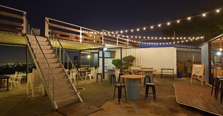 Rico Noche cafe,台中最新夜景咖啡廳,貨櫃工業風搭配美麗燈泡好夢幻!