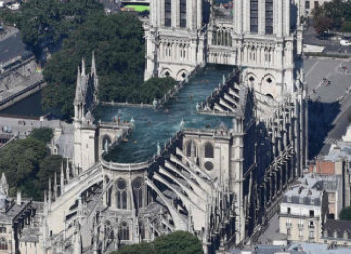 Resultado de imagen para Proponen un novedoso diseño para restaurar la catedral de Notre Dame