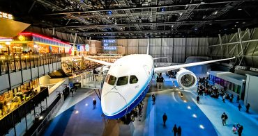 航空迷必看 FLIGHT OF DREAMS 名古屋最夯 親子同樂空中樂園 波音787夢幻客機實機展示 付費還可入內參觀體驗 精彩燈光秀搶先看 中部國際空港 西雅圖主題館