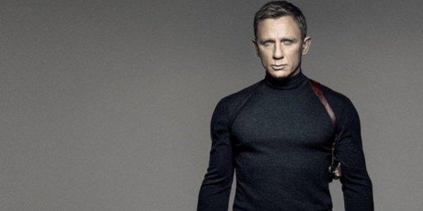 Spectre James Bond cuello alto negro con funda