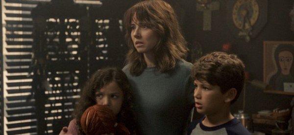 main family in The Curse of La Llorona