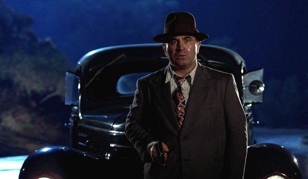 Who Framed Roger Rabbit Eddie Valiant gun drawn on the highway