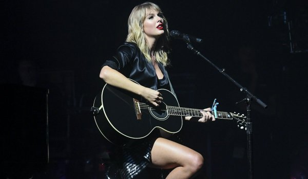 Taylor Swift on tour Lover movie