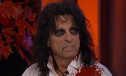 Jesus Christ Celebrity Reside! Simply Forged Alice Cooper
