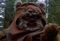 Star Wars Legend Warwick Davis Responds To Final Jedi Backlash
