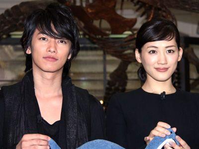 『リアル 完全なる首長竜の日』で映画初共演を果たした佐藤健&綾瀬はるか