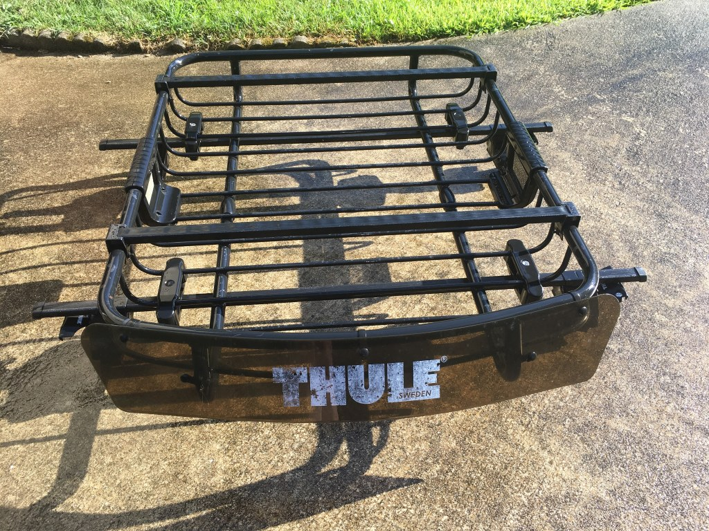 thule roof rack with mounting brackets