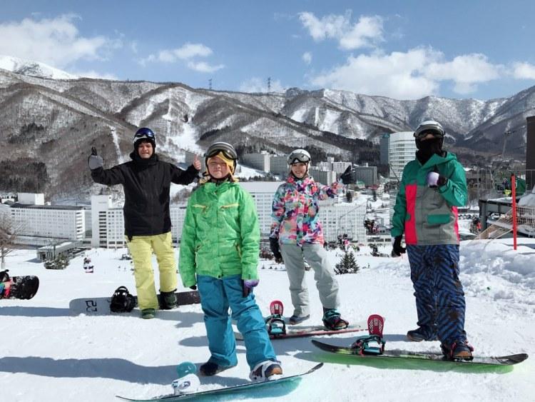 ▌日本滑雪自由行▌苗場王子大飯店x日本滑雪中毒者教練推薦必訪親子滑雪勝地(雪具裝備免煩惱)