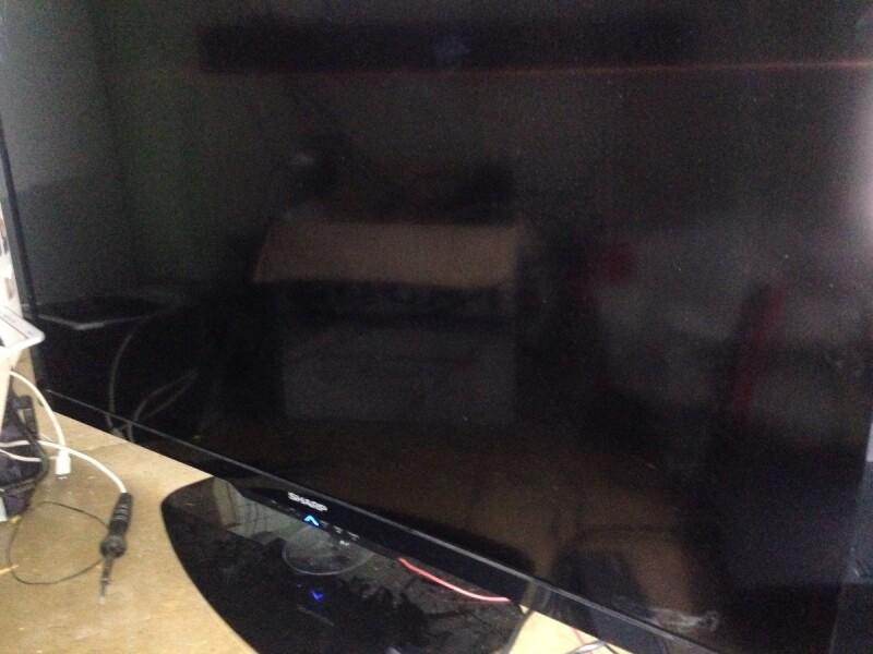 tv sharp lc46le732e ecran noir
