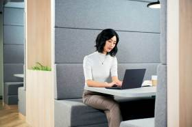 重量只有870g!!挑戰全球最輕14吋商用筆電 ASUS ExpertBook B9即刻上市