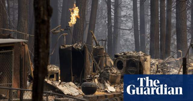 Caldor fire levels California town of Grizzly Flats as dry weather fuels blazes