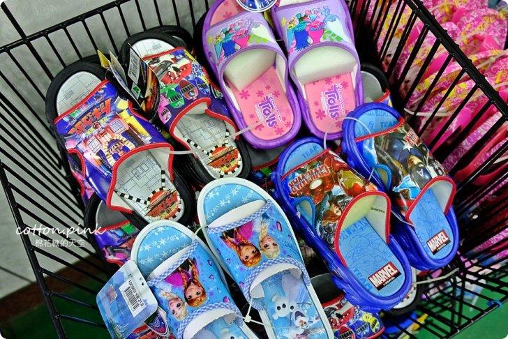 20181109092558 72 - 熱血採訪 NG牛仔帆布鞋55元、卡通兒童拖鞋60元、童鞋換季三雙只要500元!大雅童鞋特賣快來搶便宜