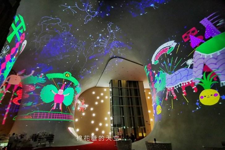 20191218164222 53 - 一年一度台中聖誕夢幻光影秀只有這裡有!中西合併超有氣氛!