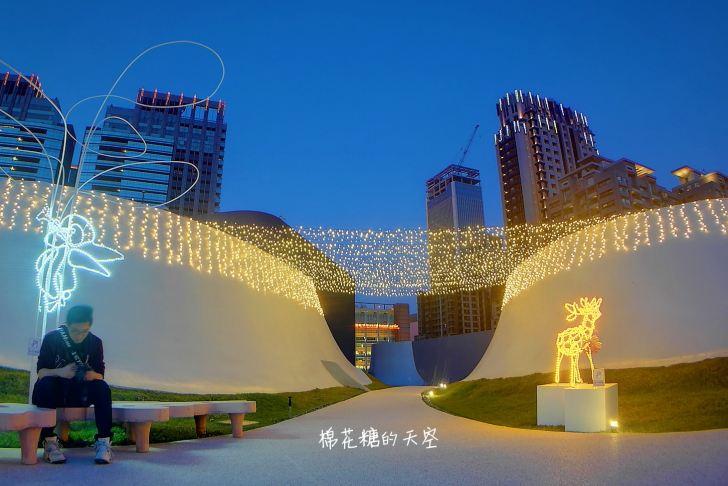 20191218174323 27 - 一年一度台中聖誕夢幻光影秀只有這裡有!中西合併超有氣氛!