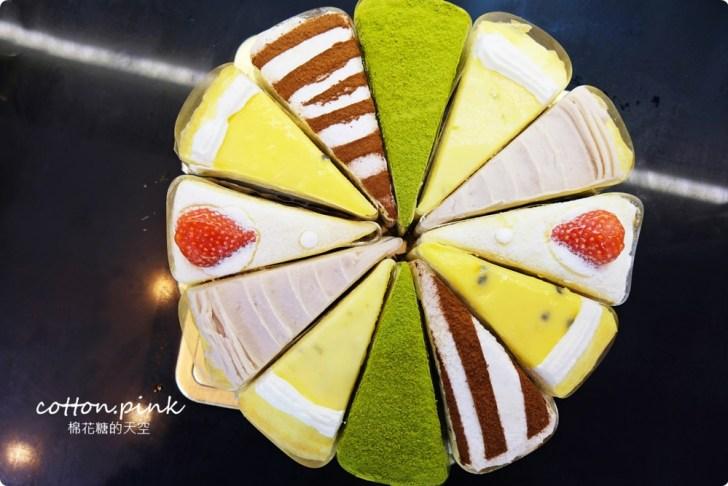 20200128140659 23 - 熱血採訪|兩層綿綿的戚風蛋糕裡面加了一整層的草莓,這也太邪惡了吧!