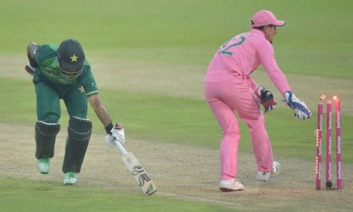 Cricket Image for Quinton De Kock Fake Fielding To Dismiss Fakhar Zaman